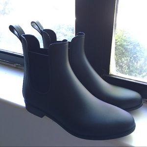 *RE-LIST* Merona (Target) Rubber Chelsea boots